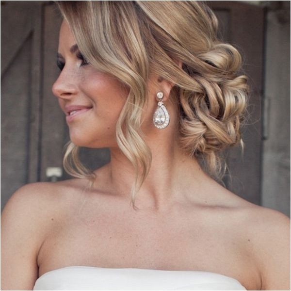 gorgeous wedding hairstyle that you are fond of