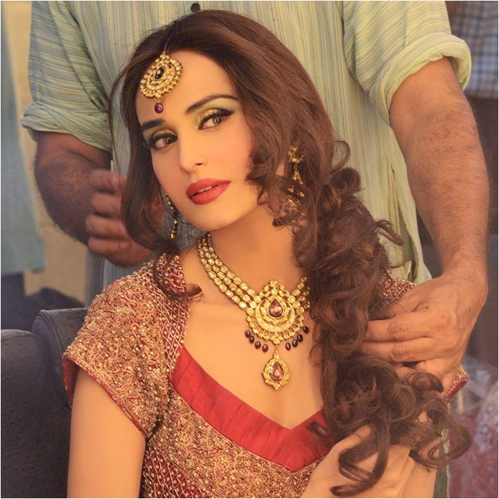 pakistani wedding hairstyles for bridals 18