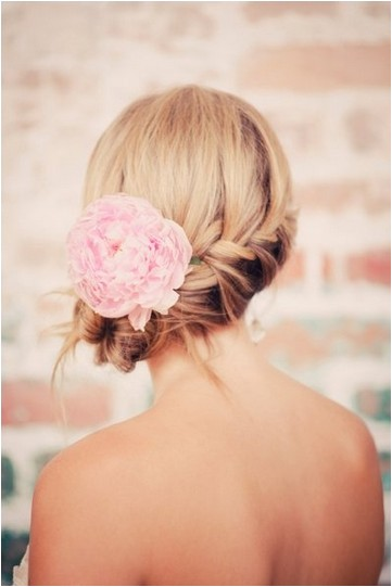 4 fantastic beach wedding hairstyles