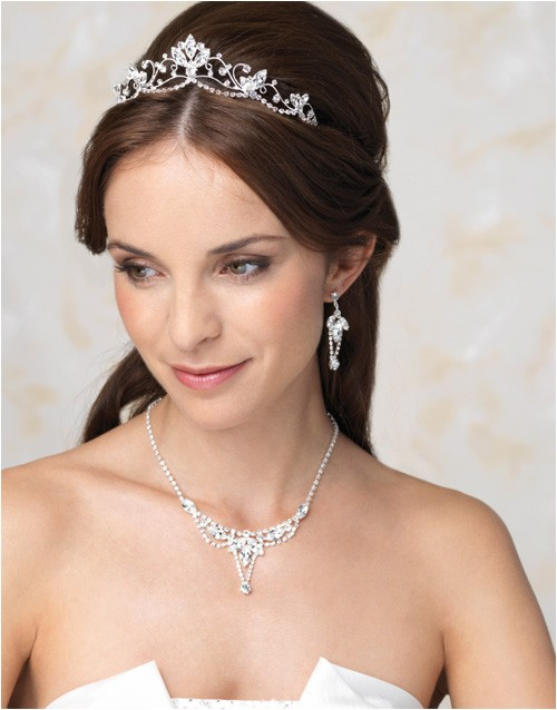 perfect wedding tiara for different kinds of hairstyles