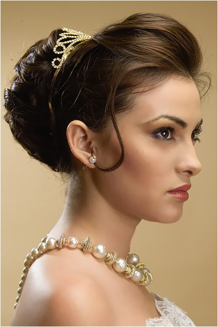 romantic princess hairstyle ideas for brides girls