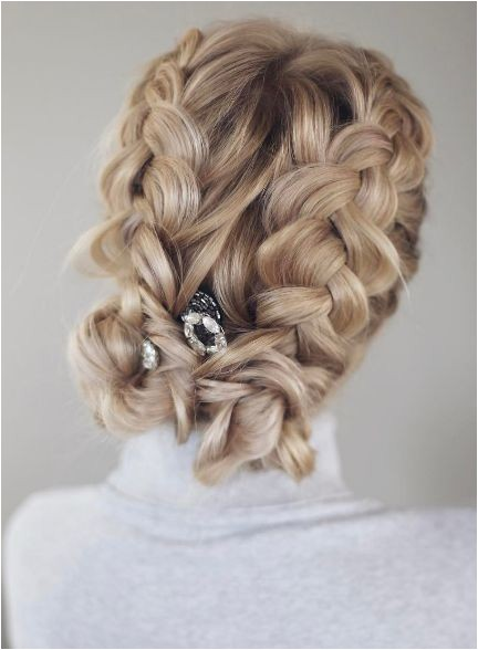 10 quick and easy wedding hairstyles