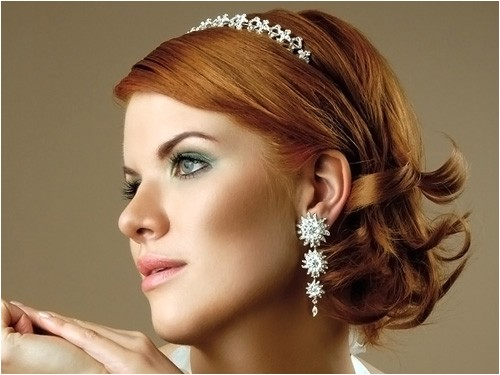 easy wedding guest hairstyles are suitable for bussiness women