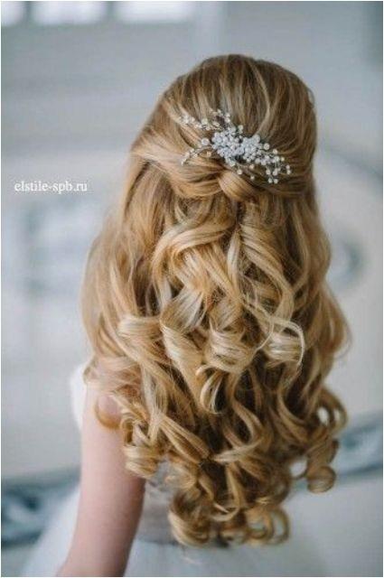 wedding hairstyles fresh flowers