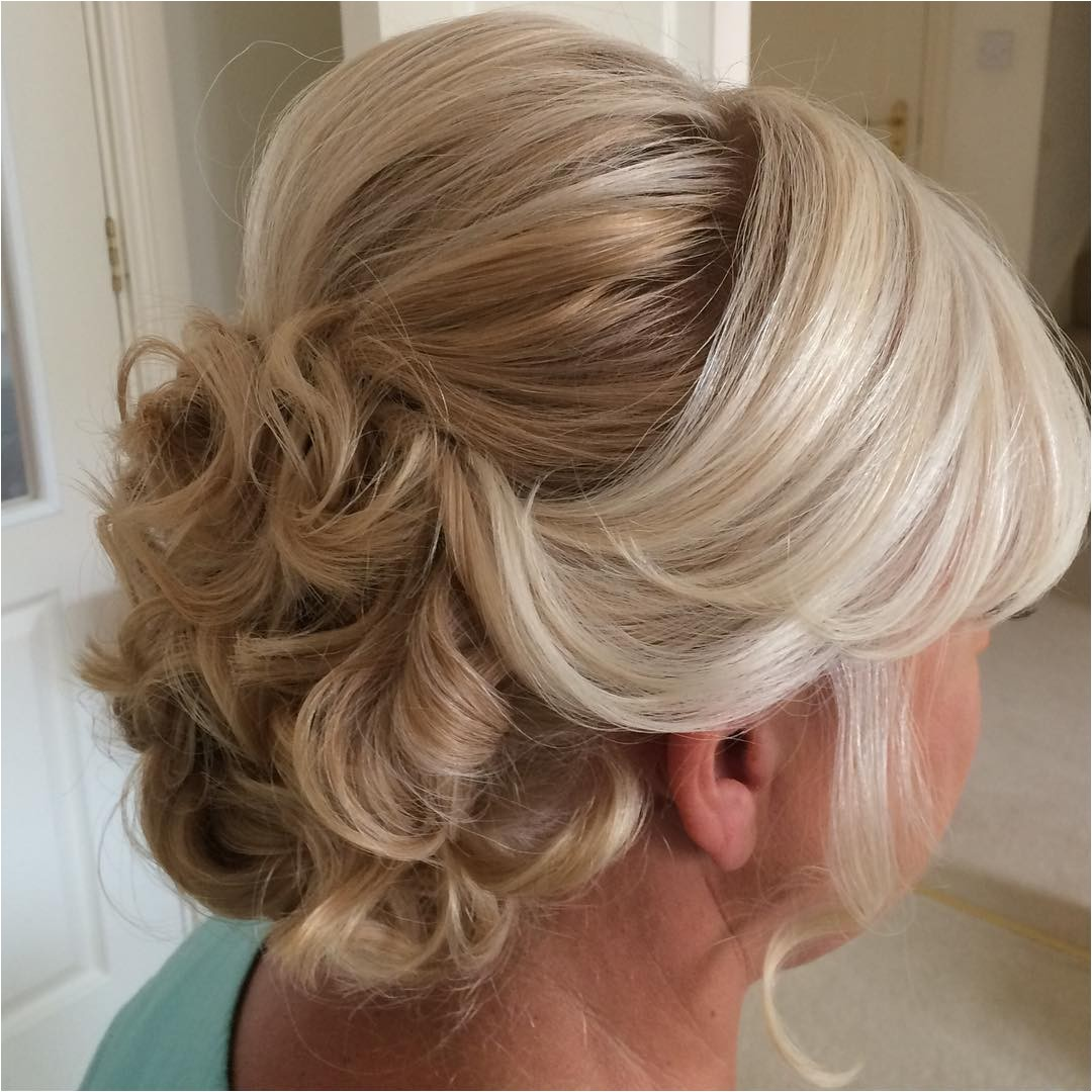 20 ravishing mother of the bride hairstyles