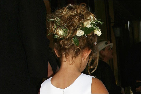 3 adorable flower girl hairstyles
