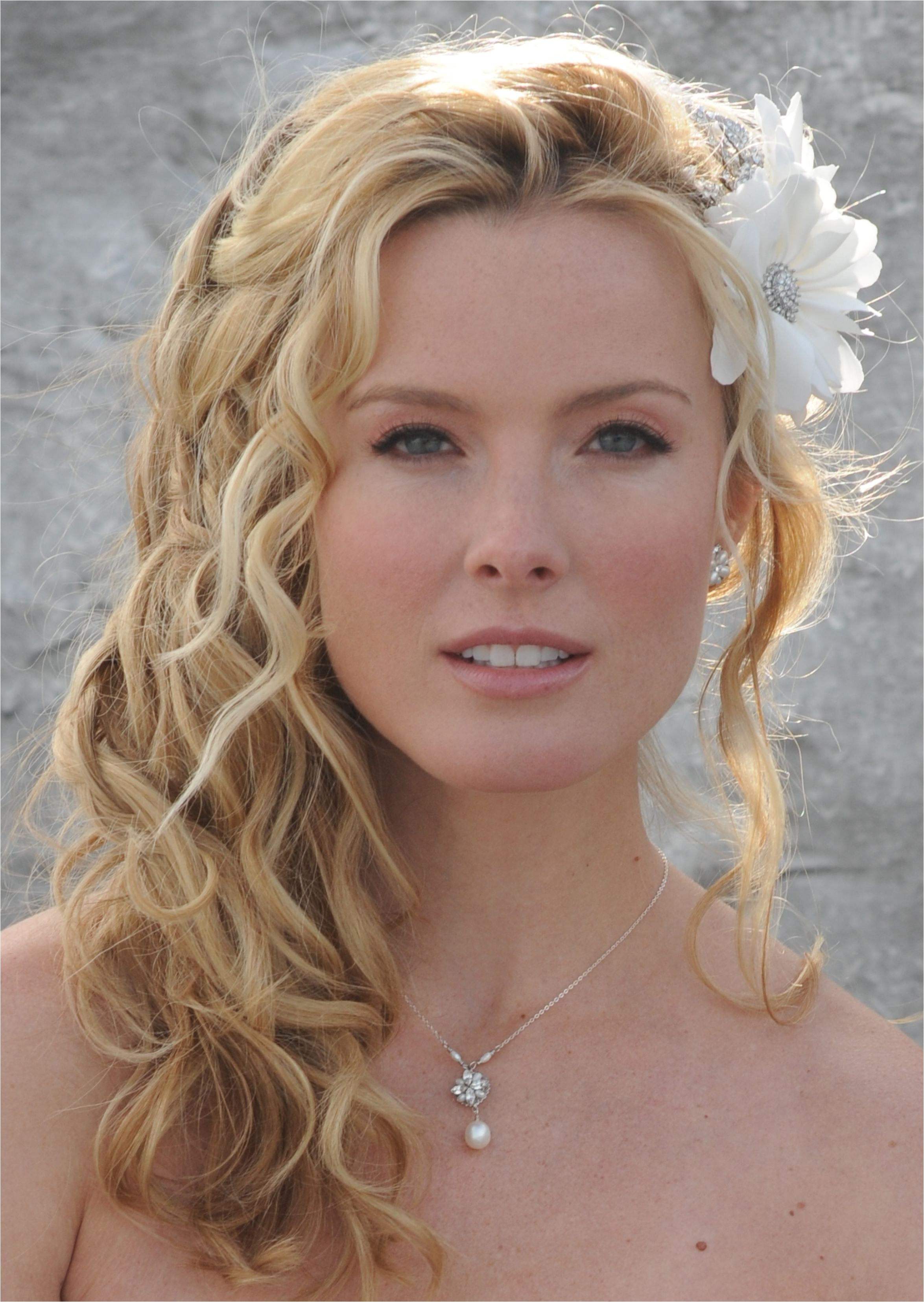 20 romantic bridal hairstyles pictures