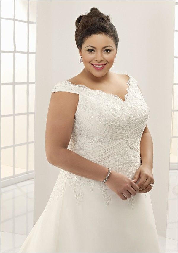 plus size brides