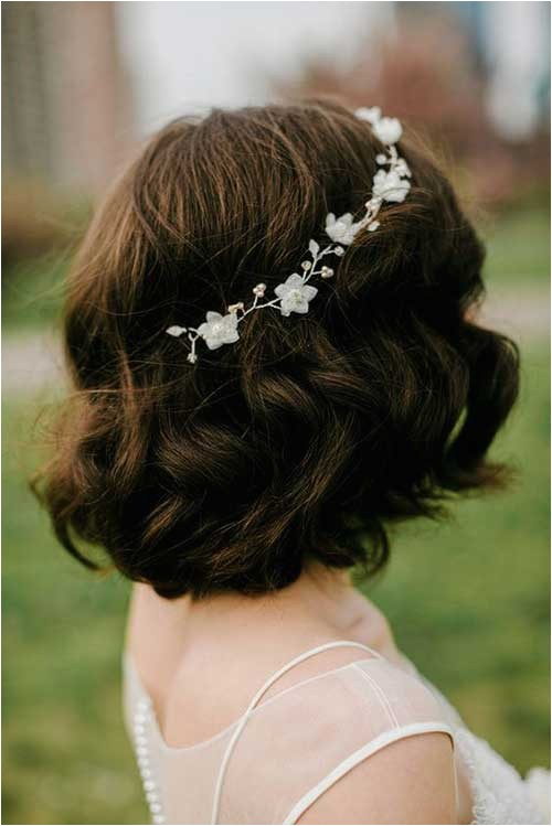 ready with your short hair for wedding