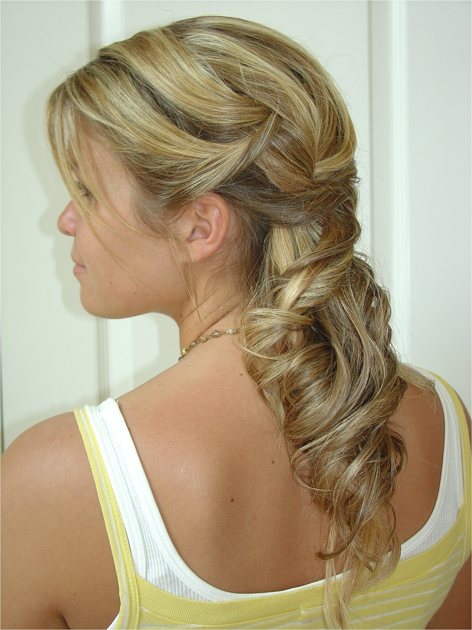 beautiful wedding hairstyles half up
