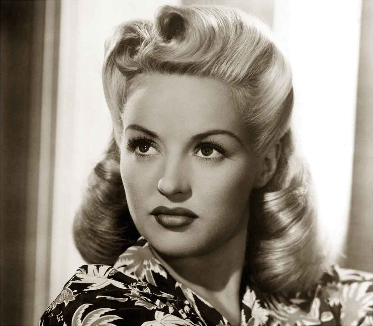 1940s Hairstyles Memorable Pompadours Betty Grable