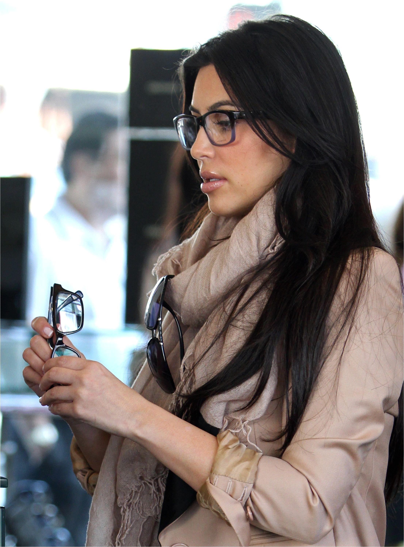 Kim Kardashian Kim Kadarshian Female Celebrities Celebrities With Glasses Celebrity Glasses Celebs