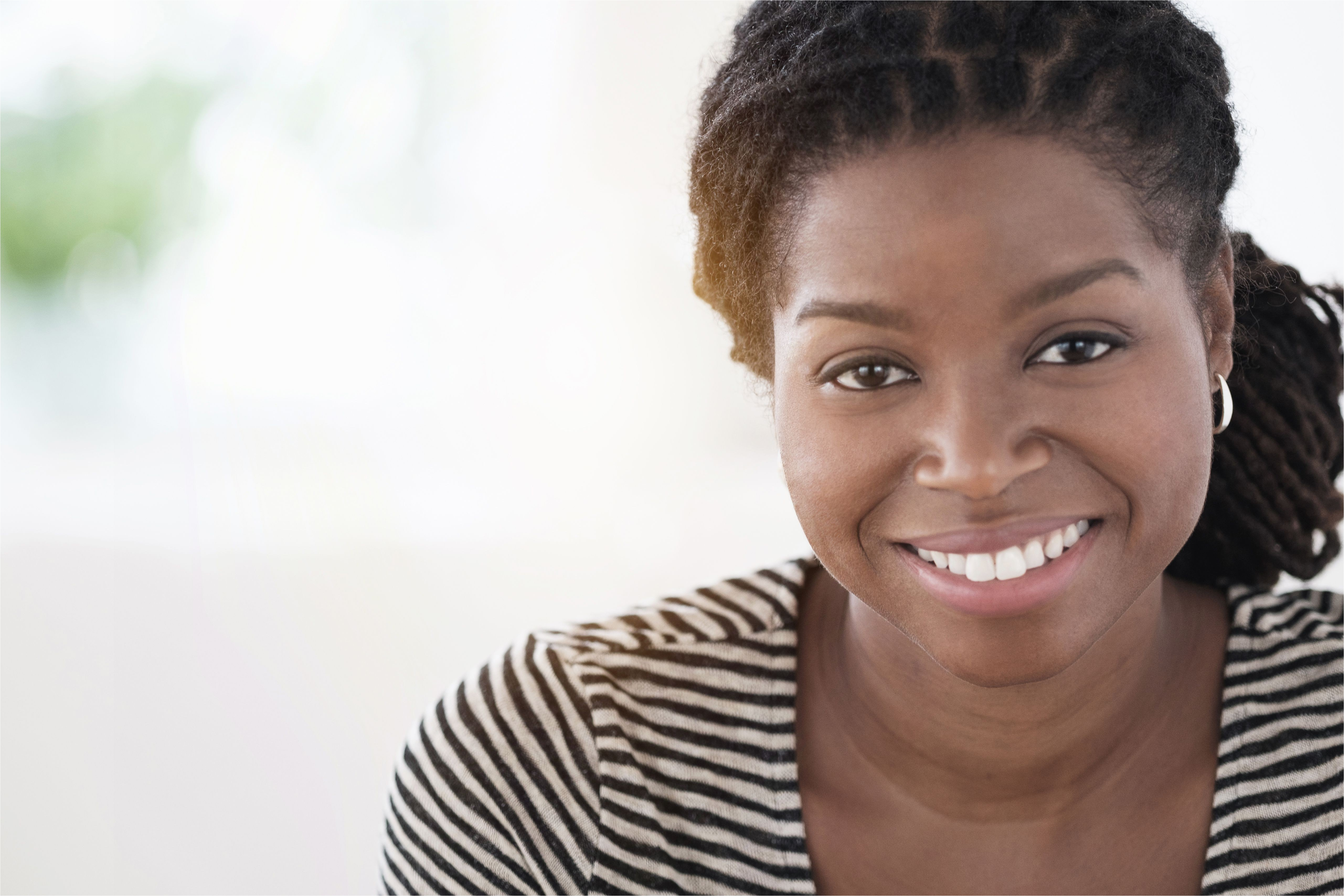 black woman smiling f9b58f0fcf3c106