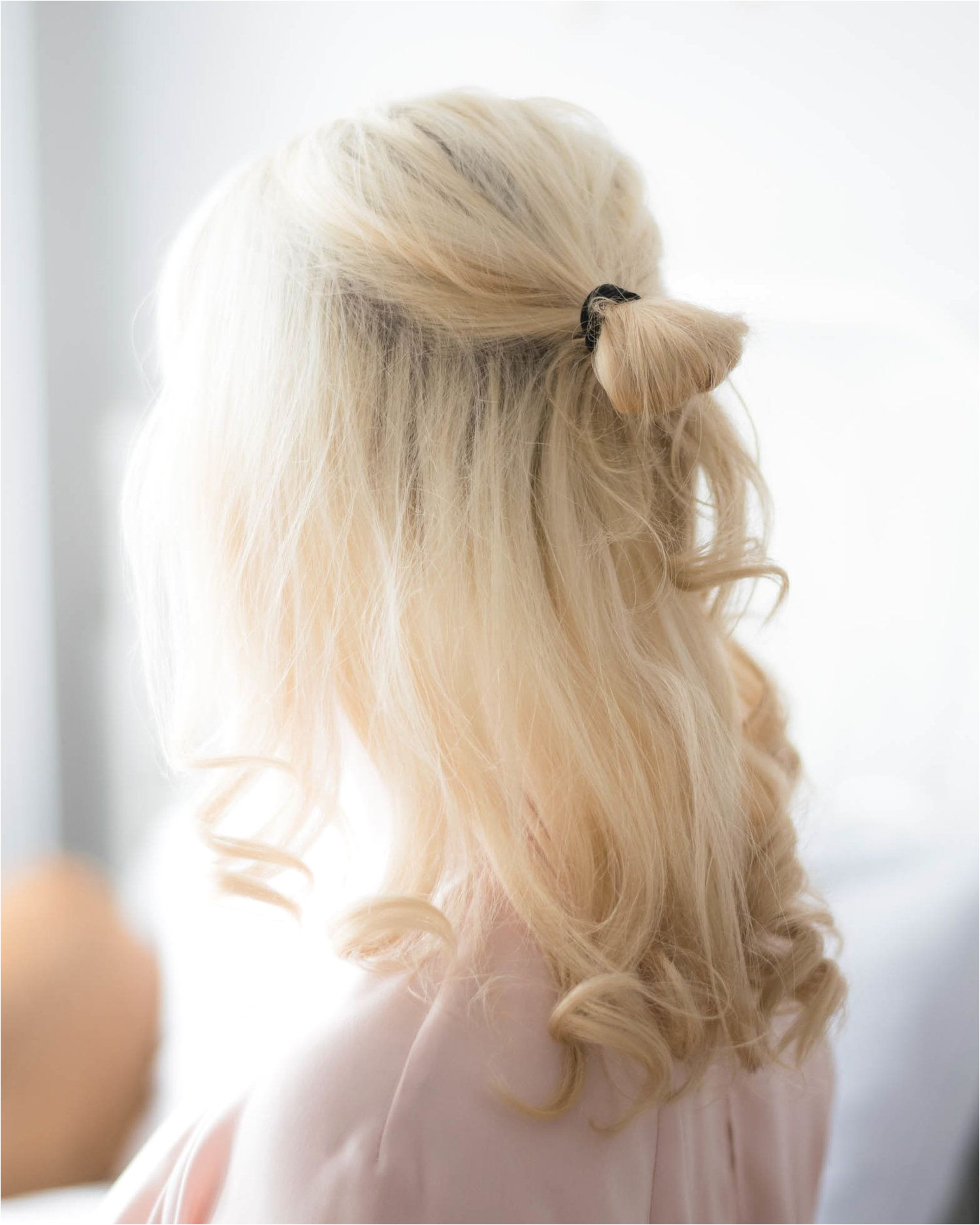 Save this pin and click through for more details 3 Easy Hairstyles You Can Do in Under 5 Minutes