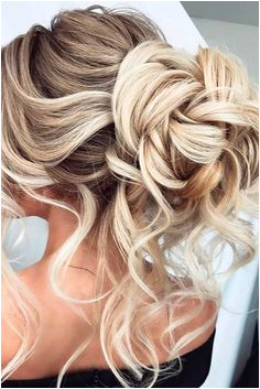 12 Amazing Updo Ideas for Women with Short Hair