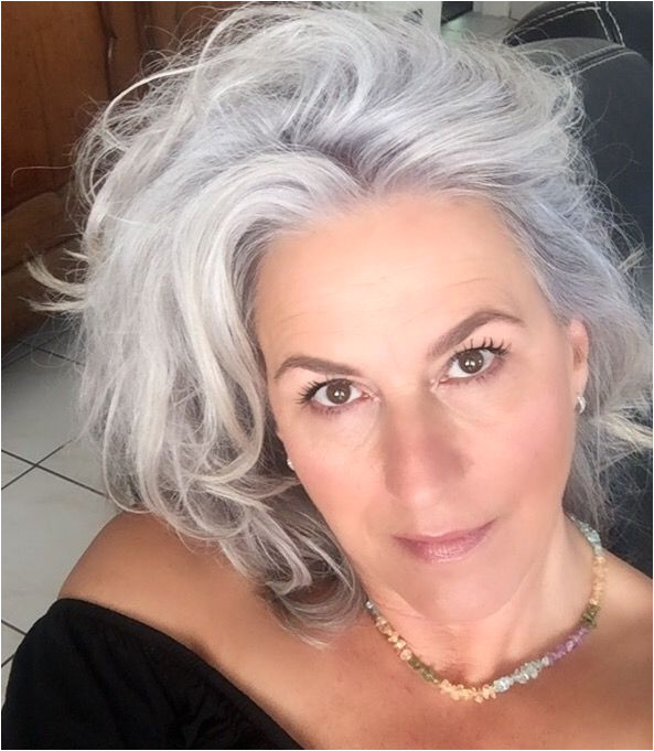 Silver y Grey Hair Looks Natural Hair Styles Long Hair Styles Silver Haired