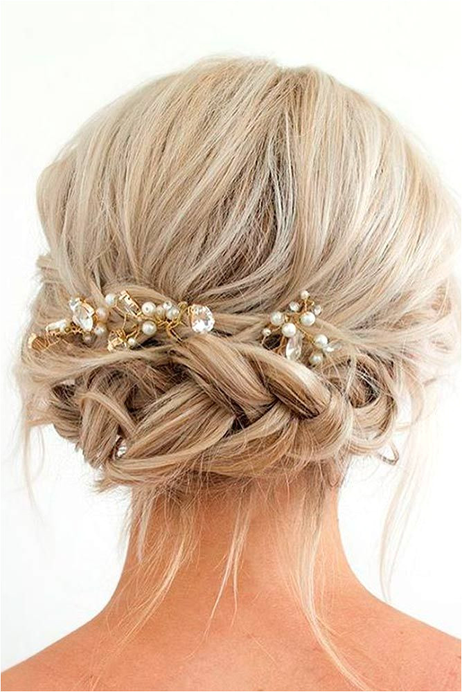 Ball Hairstyles Updo Buns 33 Amazing Prom Hairstyles for Short Hair 2019 Hair