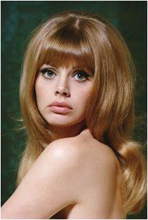 60s bangs 1970 Hairstyles Vintage Hairstyles Girl Hairstyles Classic Hairstyles Gorgeous Hairstyles