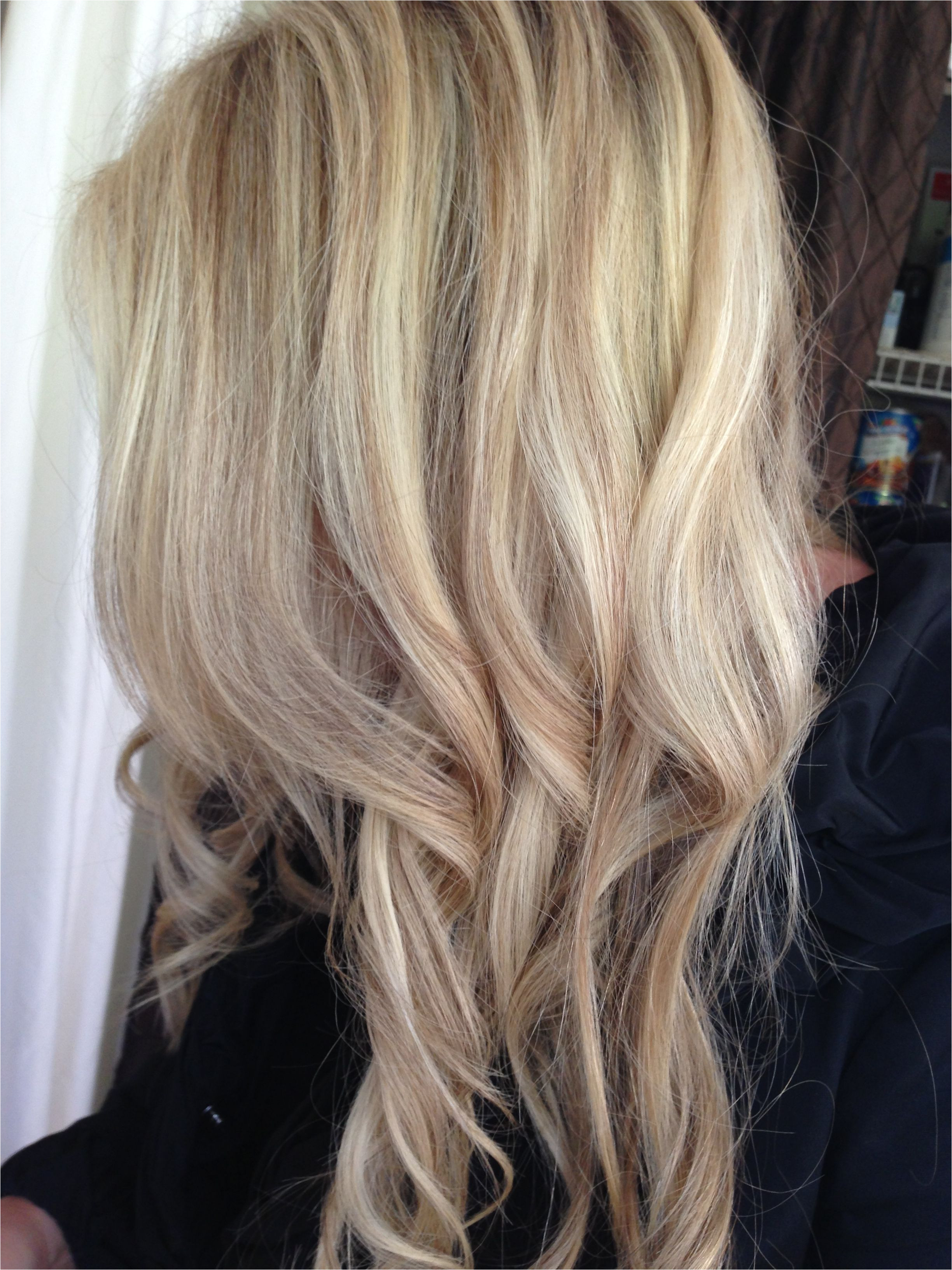 Blonde specialist Foil highlights by Jama Be e Hair Salon Issaquah Seattle Washington