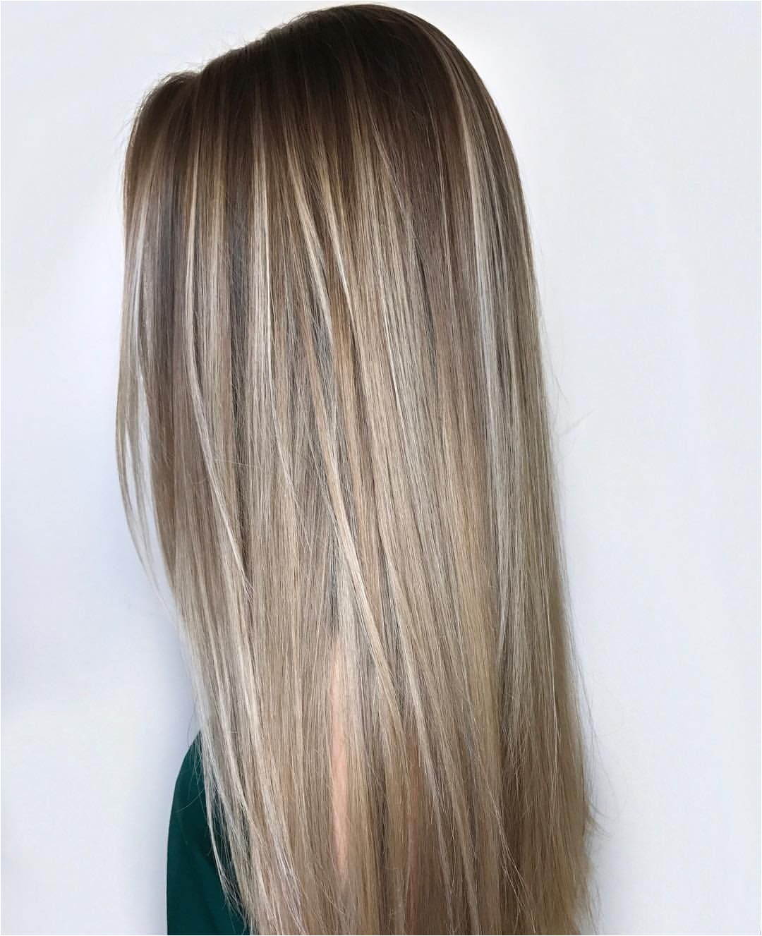 From all over sandy blonde hair to strategically placed balayage highlights these sandy blonde hairstyles will give you lighter locks that look chic and