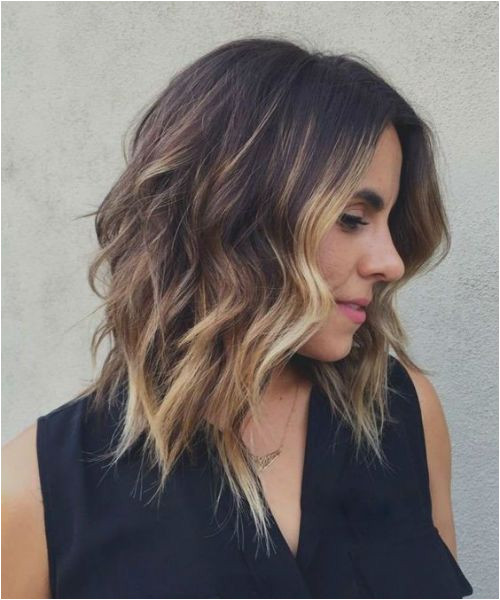 14 The Head Turning Medium Hairstyles With Blonde Highlights for Your Distinctive Style