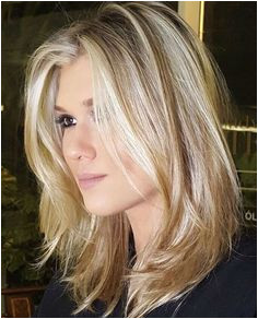 Top 25 Sizzling Medium Blonde Hairstyles 2019 To Rock This Year