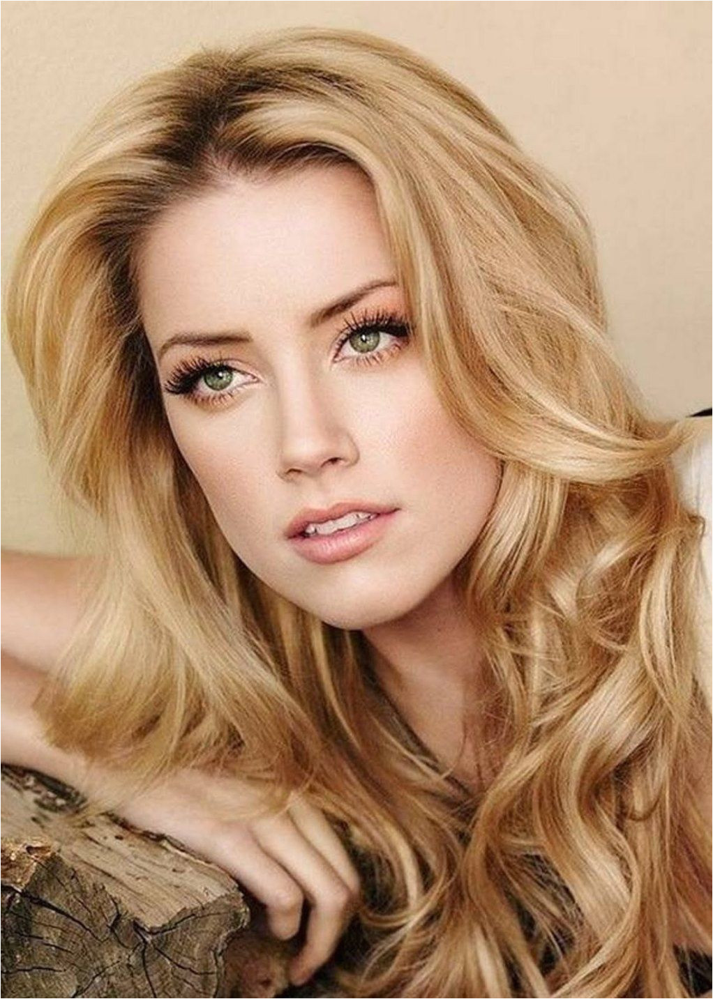 What is the Best Shade of Blonde For Super Fair Skin