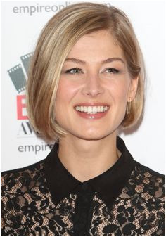 Rosamund Pike Bob Hairstyles for Fine Hair l image for info