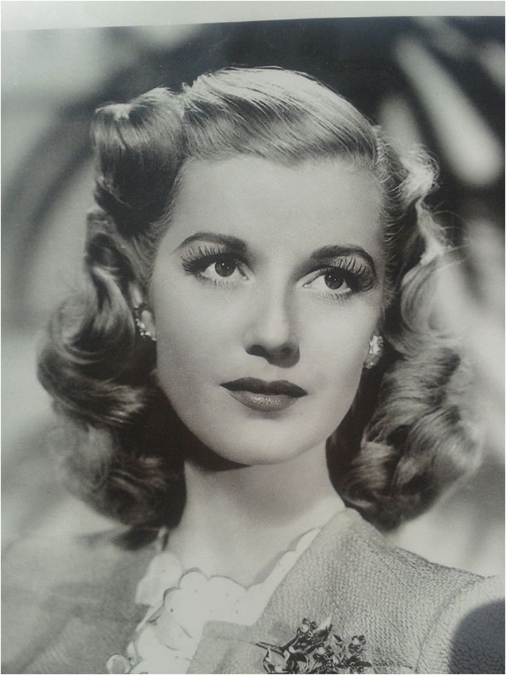 Legendary 1940s hair Don t be afraid to try out the vintage hair tutorials in this board to experiment with you hair You might just discover that you were