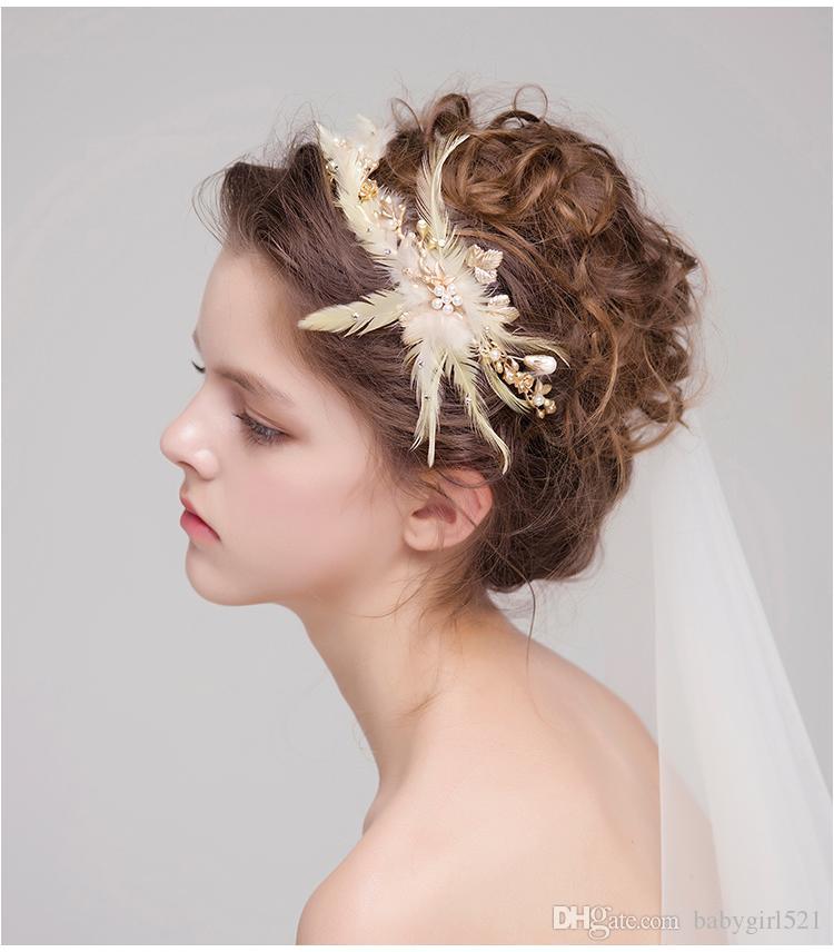 2018 Fashion Bridal Headdress Gold Hair Crowns Feather Pearls Hair Bands Elegant Wedding Headpieces Bridal Accessories New Discount Bridal Hair Accessories