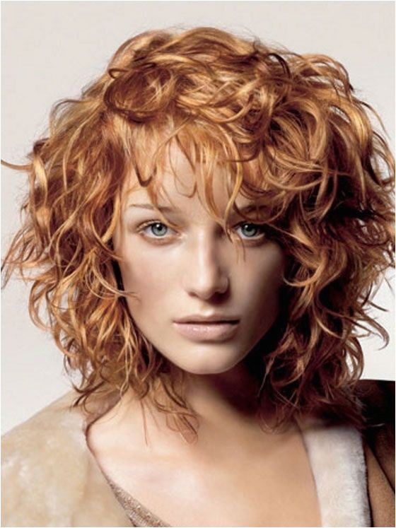 Closest thing I ve seen to the hair I want but longer than this and maybe no bangs SO over the triangle hair roseanna roseanna dana this is more diamond