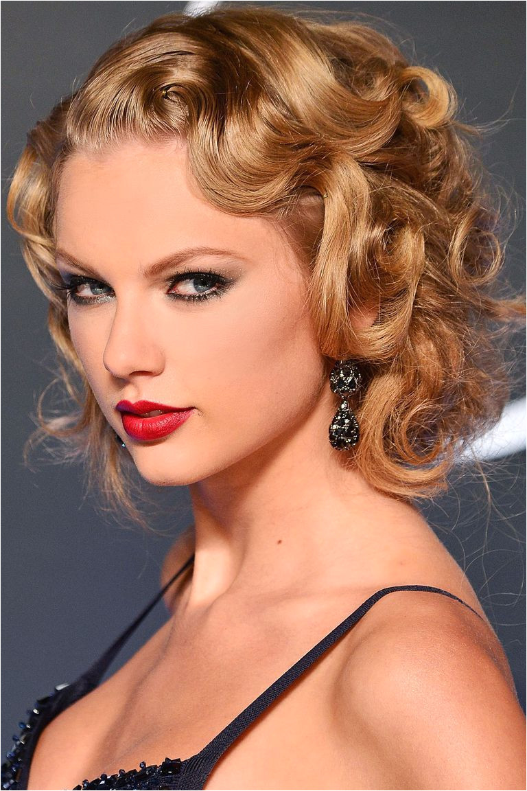 32 Celebrity Curly Hairstyles We Love Taylor Swift Swift plays the retro role with a head of silky smooth pin curls