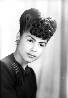 Hairstyle 1940 s mexican This is gorgeous Mexican Hairstyles 50s Hairstyles Vintage Hairstyles