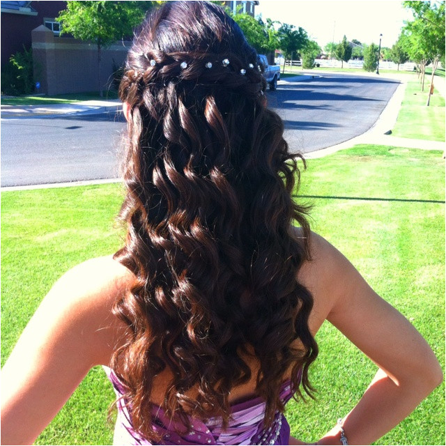 Curly prom hair with braid