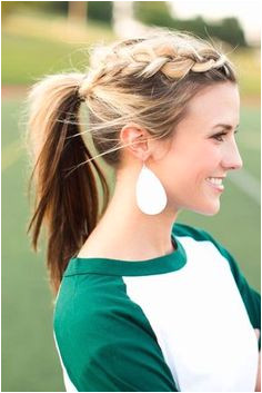 These ponytail hairstyles will be of great help as they are extremely practical and still look