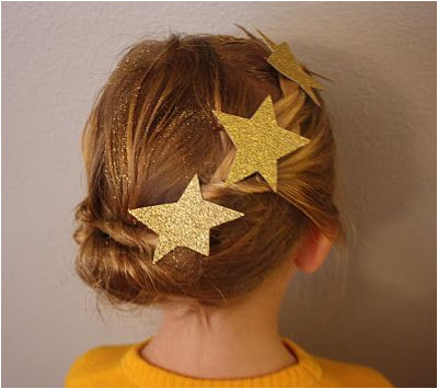 Gold Star Christmas Hairstyle