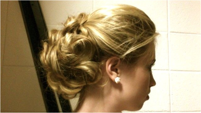 three cute hairstyles for holiday parties