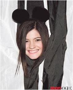 Analysis Mickey Mouse ears symbolize mind control and they say those who wear it are fully under the Illuminati s control