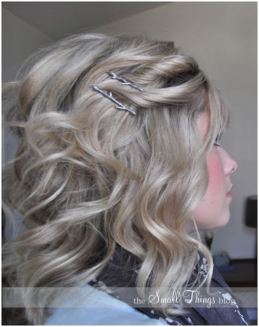 Love Wedding hairstyles for medium length hair wanna give your hair a new look Wedding hairstyles for medium length hair is a good choice for you