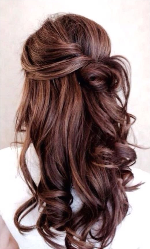 Bouncy Loose Curls Half Up Half Down Long hair with loose curls is perfect for casual days or formal events