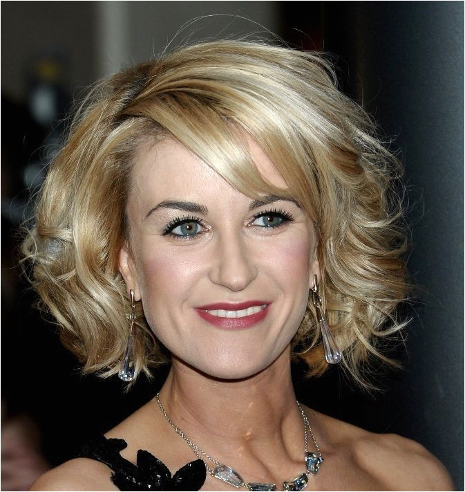 Hairdos for Middle Age Women
