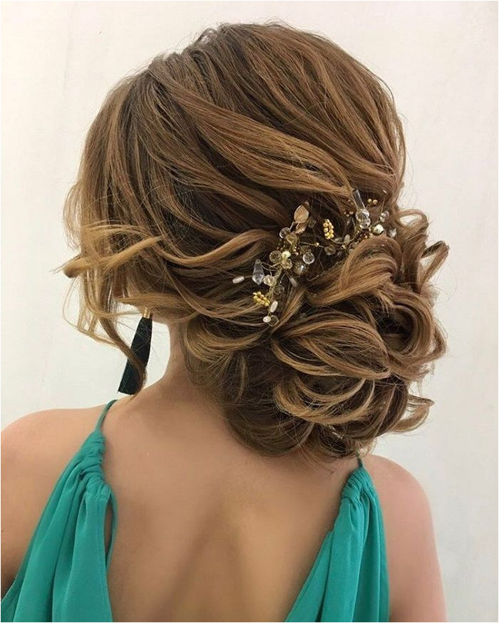 Drop dead gorgeous loose messy updo wedding hairstyle for you to inspired Today s beautiful wedding hairstyles are the hottest bridal beauty trends