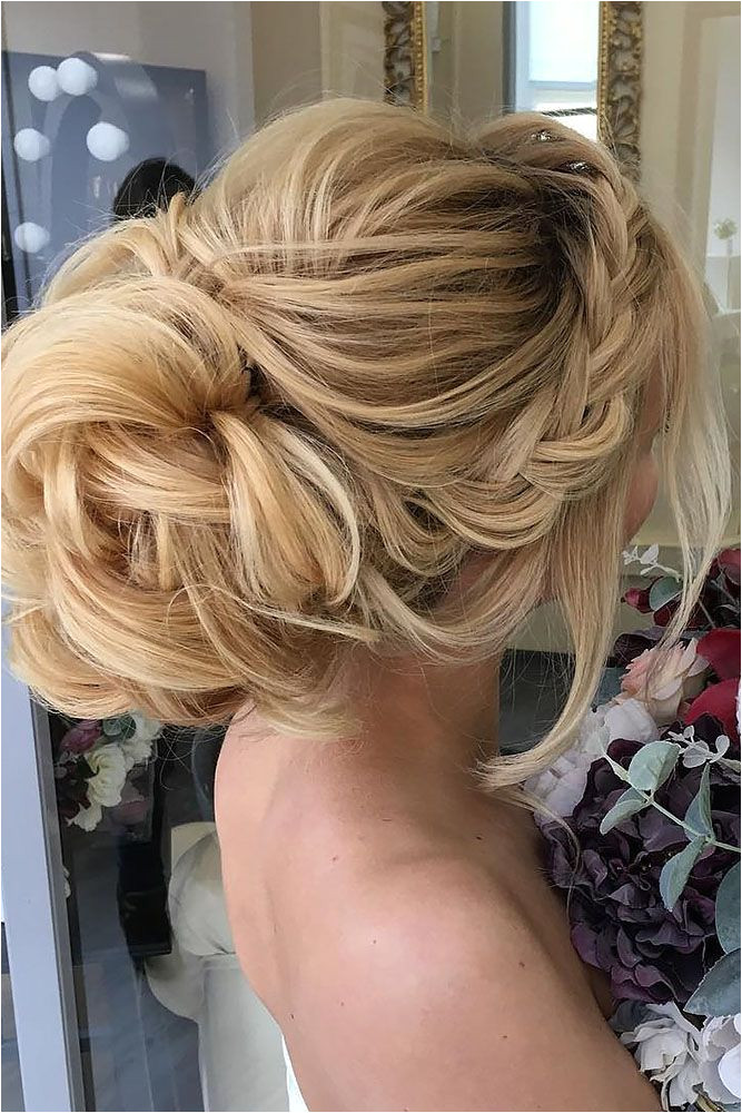 If you are not sure which hairstyle to choose see our collection of swept back wedding hairstyles and you will find gorgeous and fancy looks