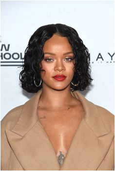 41 cool girl curly hairstyles that you re going to want to copy Short Curly HairRihanna