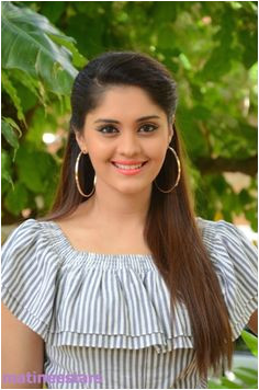 surabhi hairstyle for South Indian round face Hairstyles For Round Faces Indian Hairstyles Circuit