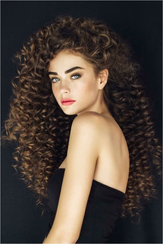Perm hairstyles are making a eback As curly hairstyles and curly textures are taking over the beauty world here are some perms to try