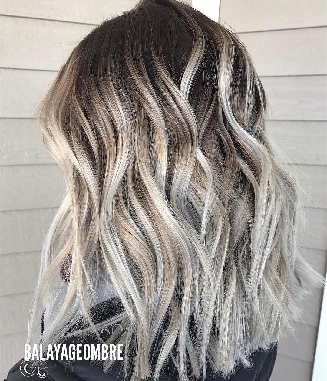 Medium Layered Hairstyle Designs Women Shoulder Length Hair Cuts for Thick Hair