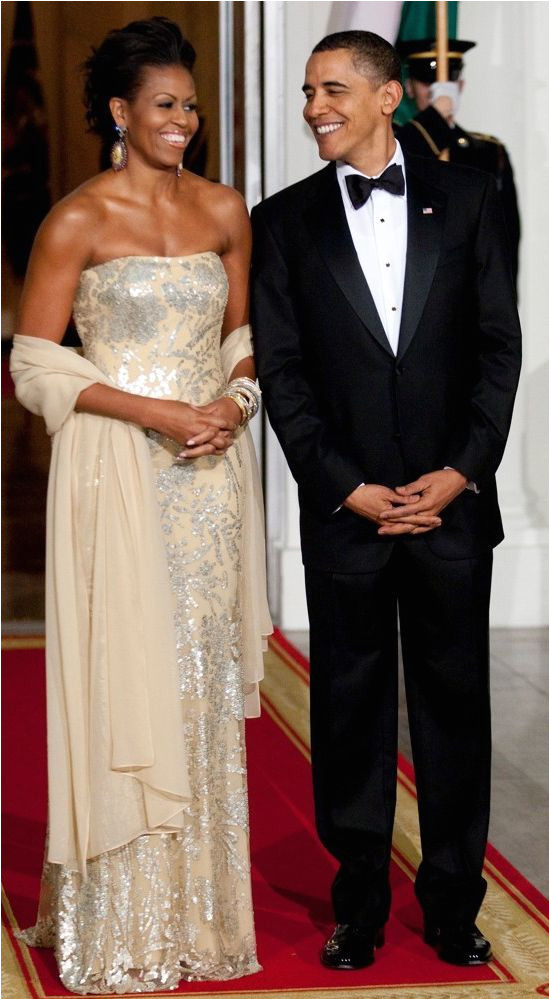 Michelle Obama wear Naeem Khan on black tie event in White House
