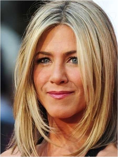 Best Short Hairstyle For Round Face Messy Hairstyles Pinterest