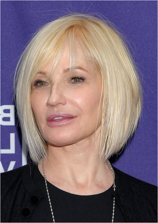Ellen Barkin Short Graduated Bob Haircut – A line Bob Cut for Women